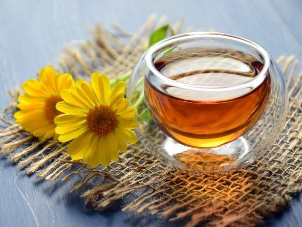 Herbata konopna z miodem